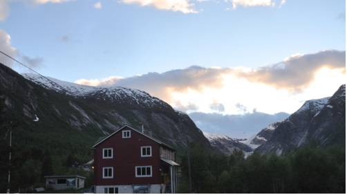 Nigardsbreen Lodge