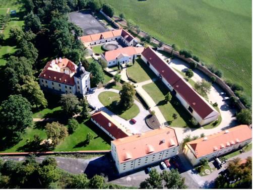 Zámecký Hotel Ctěnice