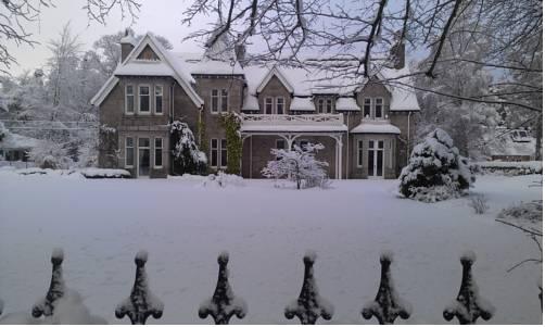 Struan Hall