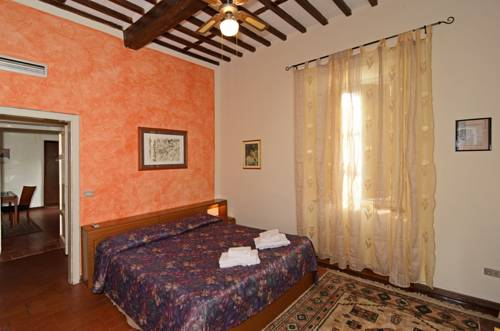 Tuscan Sun Holiday Apartments
