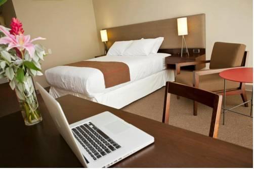 Hotel Rio Verde