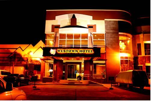 MO2 Westown Hotel - Mandalagan