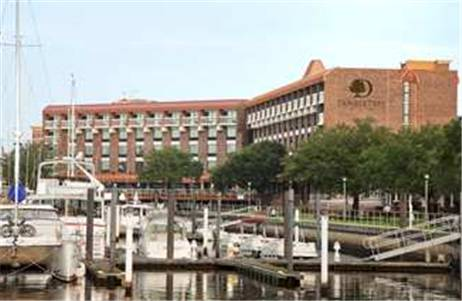 DoubleTree by Hilton New Bern - Riverfront