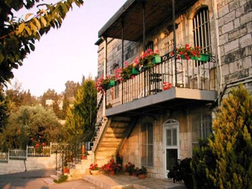 Rosary Sister Guest House Ein Karem