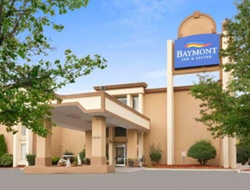 Baymont Inn & Suites - Charlotte