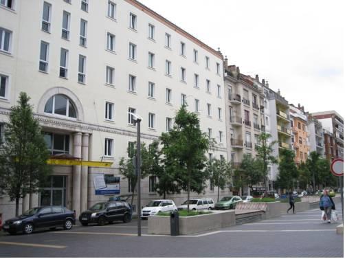 City Hostel Flora