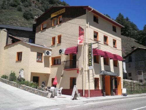Hostal Restaurante Les Cassoles de Baro