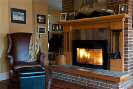 Auberge Kicking Horse Bed & Breakfast