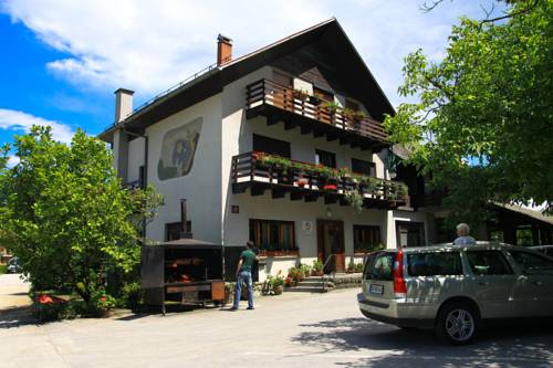 Rooms Pevc & Hostel Ljubno ob Savinji