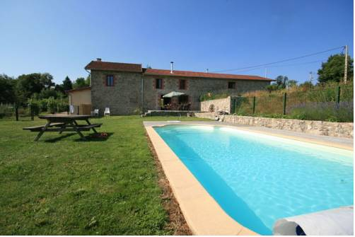 Holiday Home Vue Pierres Et Piscine En Auvergne Lavoine