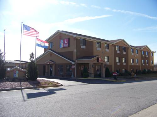 The Legacy Inn & Suites