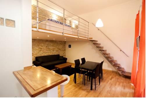 10 House Budapest
