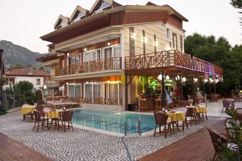 Mavera Hotel