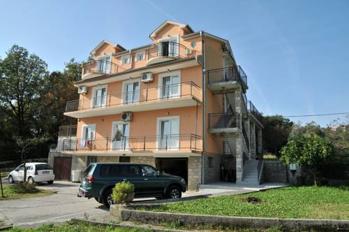 Apartments Pelle
