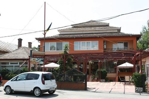 Pension Azaro