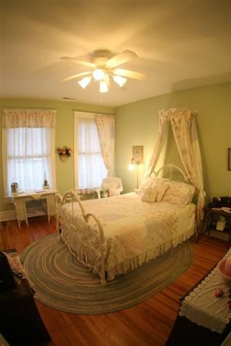 Cornerstone Inn Bed and Breakfast