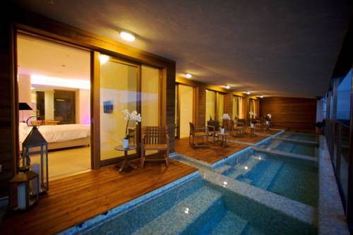 Laqua Spa & Terrace Suites