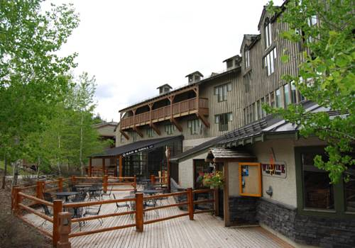 Panorama Mountain Resort - Pine Inn