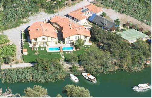 Riverside Houses