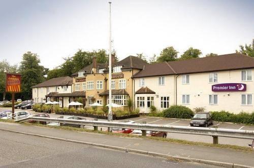 Premier Inn Bagshot