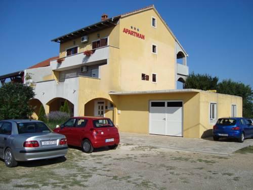 Apartments Daniel Ćustić