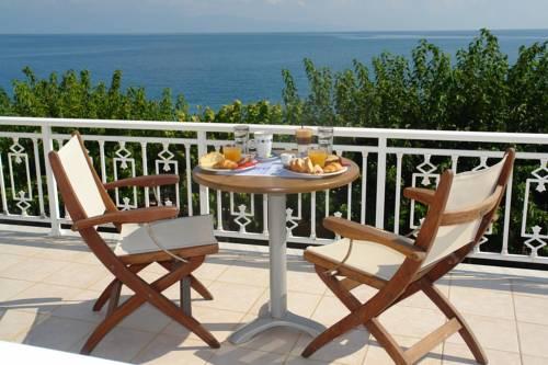 Akrata Beach Hotel