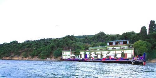 Aya Nikola Hotel