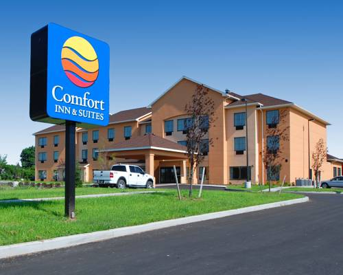 Comfort Inn & Suites Farmington