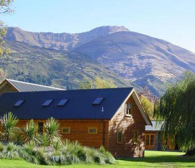 Wanaka Homestead Lodge & Cottages