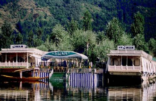 Swan Group of Houseboats, Golden Dal Lake
