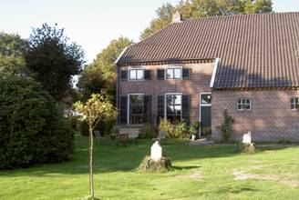 Holiday Home Landgoed De Hereboerderij Bronneger