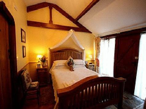 The Beeches Farmhouse B&B and PigWig Self Catering Cottages