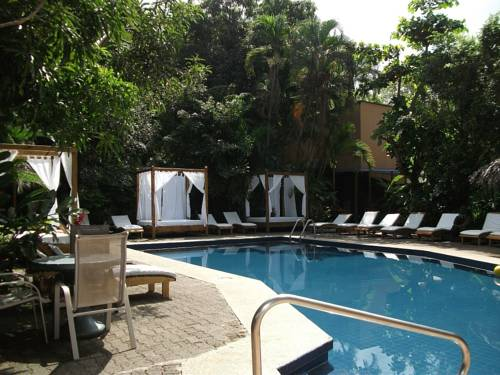 Copacabana Hotel and Suites