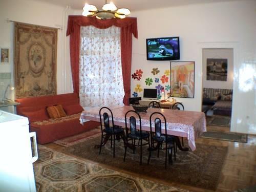 Garibaldi Guesthouse Hostel