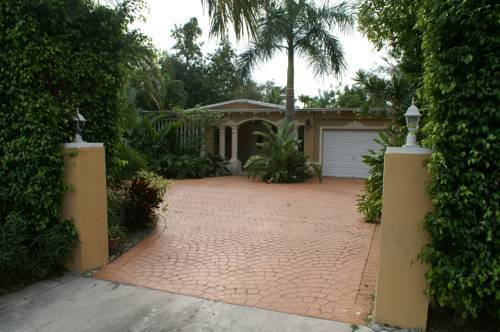 European Guesthouse/GNEXX North of Miami Shores