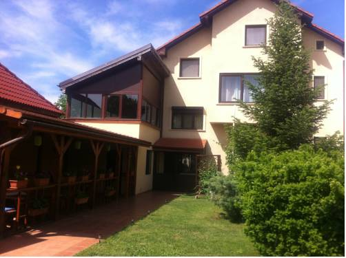 Pensiunea Red Rose Apartments