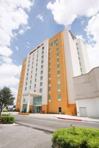 Hampton Inn Reynosa / Zona Industrial