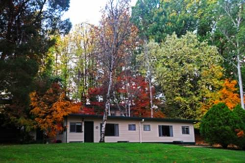 Alpine Park Riverside Cottages