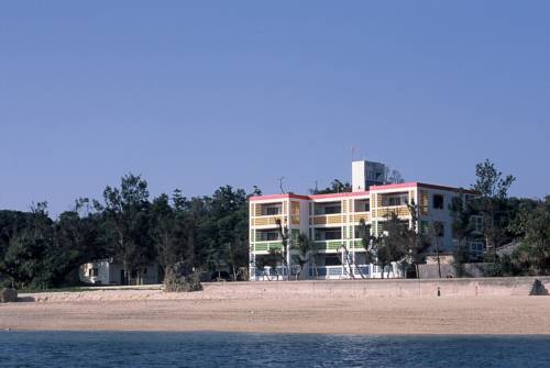 Hotel & Restaurant On the Beach Lue