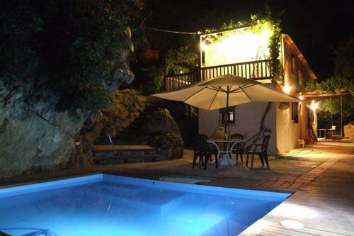 Holiday Home El Tajil Algarinejo