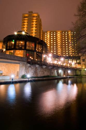 Embassy Suites San Antonio Riverwalk Downtown