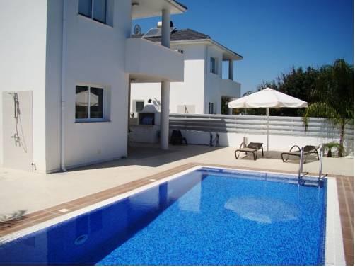 Flouresia Villa
