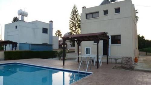 Makronissos Beach Villas