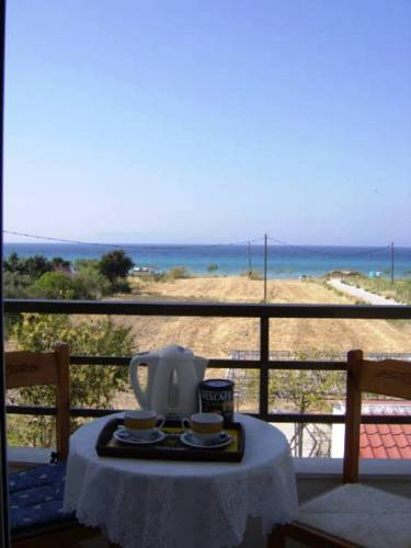 Квартира у моря в остров Теологос