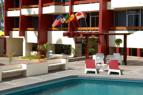 Del Real Hotel & Suites