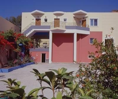 Tarra Apartments
