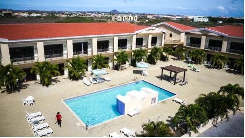 Pearl Condo Living, Hotel Style Resort