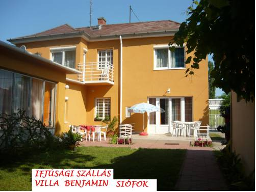 Villa Benjamin - Youth Hostel