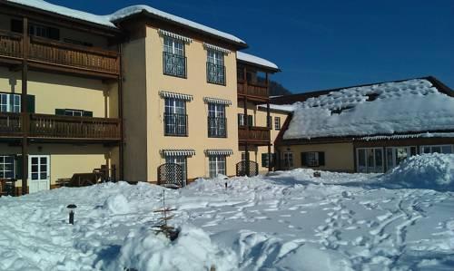 Ferienwohnungen Hotel Garni Dörflerwirt