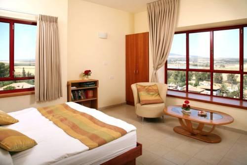 Gilboa Guest House - Benharim